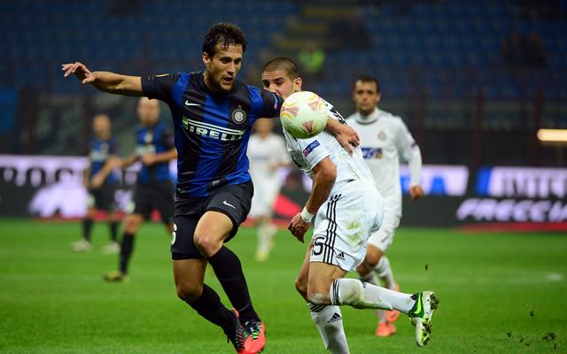 Silvestre joins AC Milan on loan