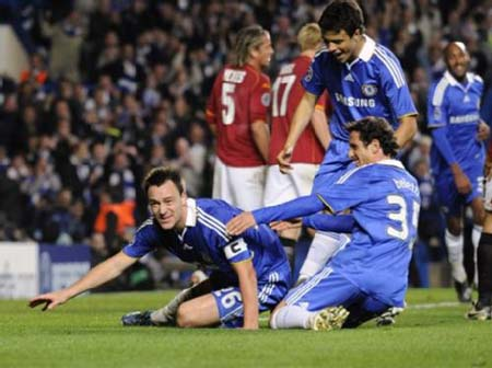 Chelsea advance after Inter win