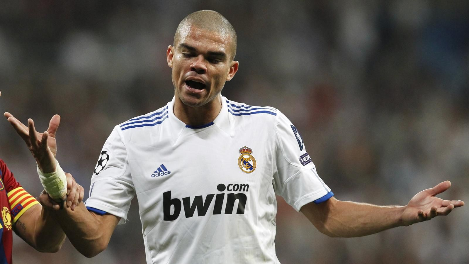 Pepe coy on Manchester City link