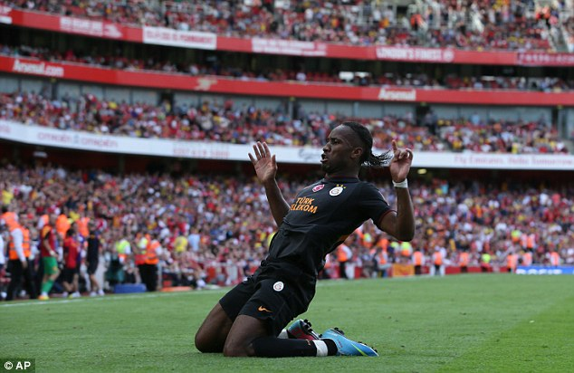 Emirates Cup: Drogba seals Galatasaray win over Arsenal